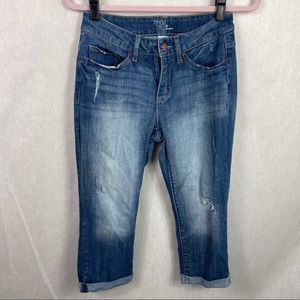 Time and Tru Cropped Boyfriend Jeans 6 Distressed